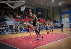 Olimpia ganó el clásico y se adelantó en la serie con Centenario