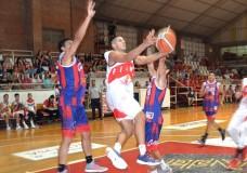 Firmat FBC demolió a San Javier, ganó su zona y se quedó con el 3 para los play off